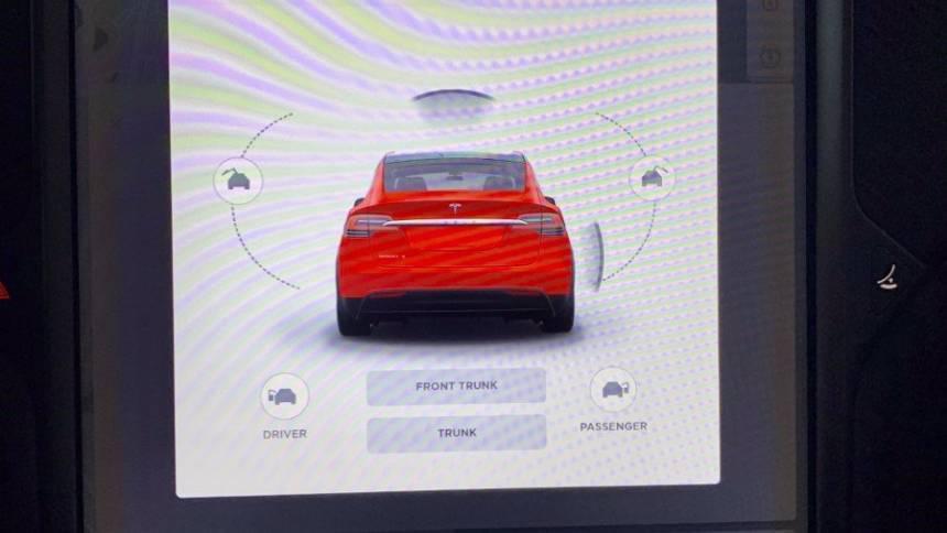 2018 Tesla Model X 5YJXCBE24JF120897