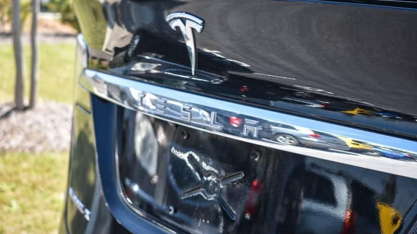 2018 Tesla Model X 5YJXCAE23JF113496