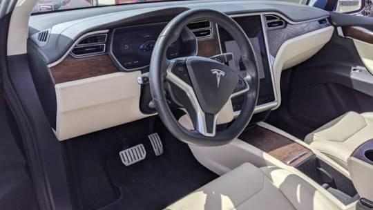 2017 Tesla Model X 5YJXCDE47HF070455