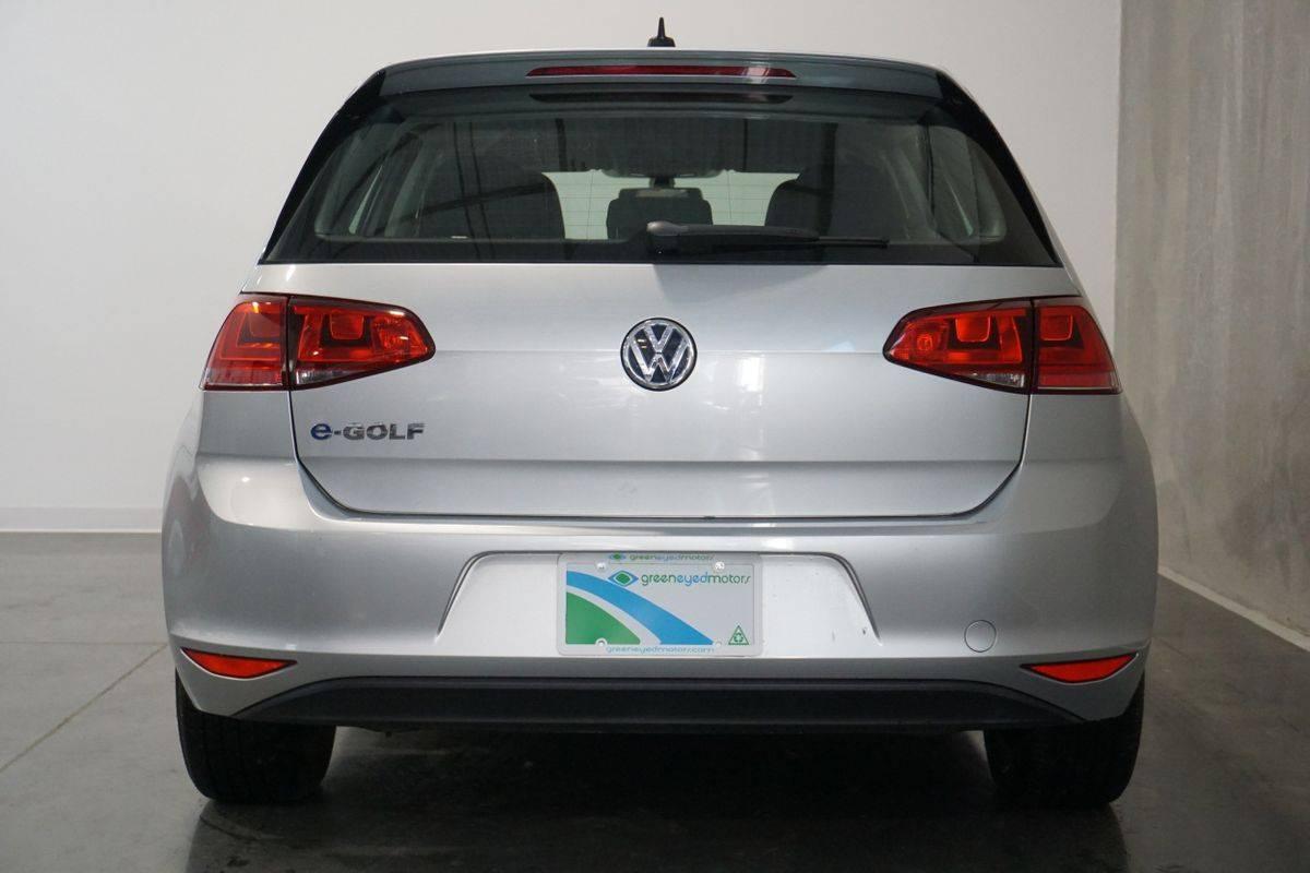 2016 Volkswagen e-Golf WVWKP7AU8GW916365