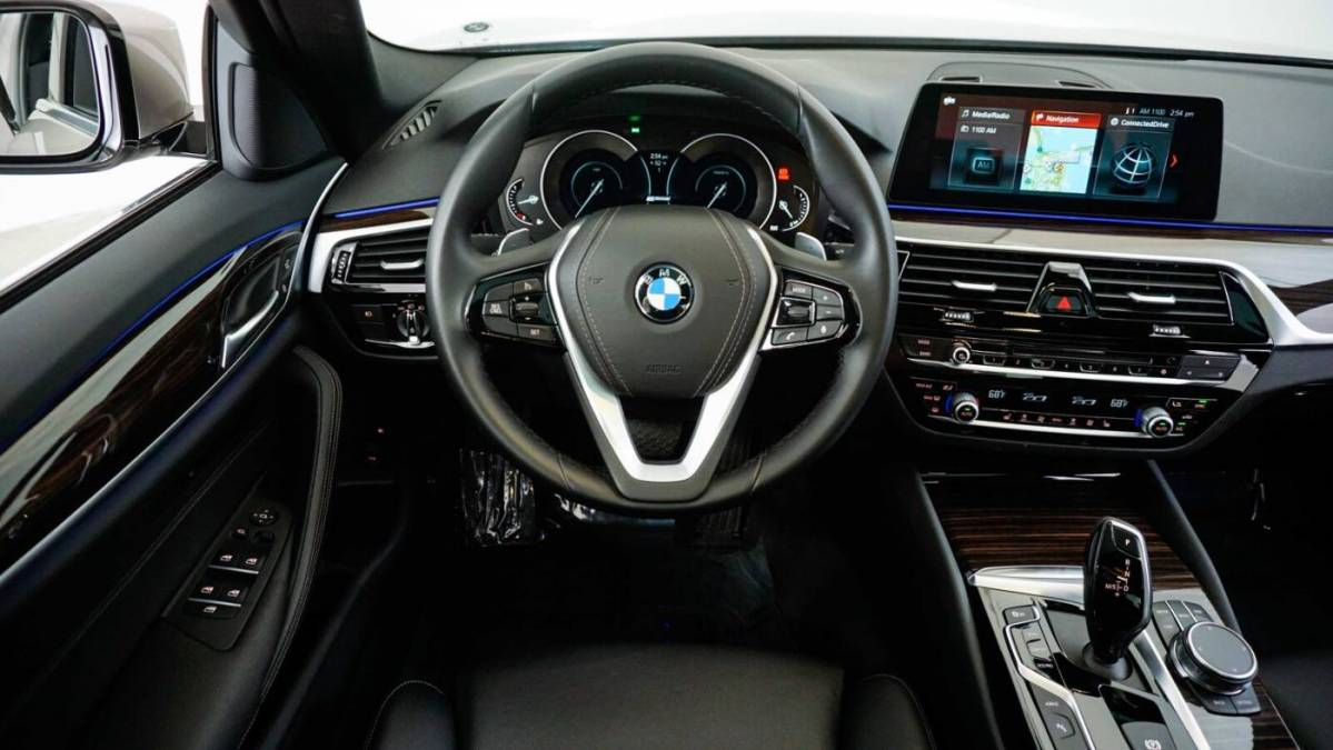 2018 BMW 5 Series WBAJA9C52JB253112