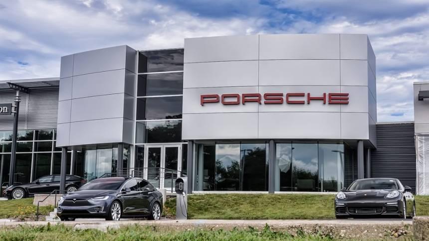 2018 Porsche Panamera WP0AH2A73JL144808