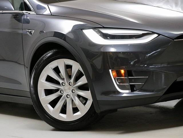 2019 Tesla Model X 5YJXCBE20KF160573