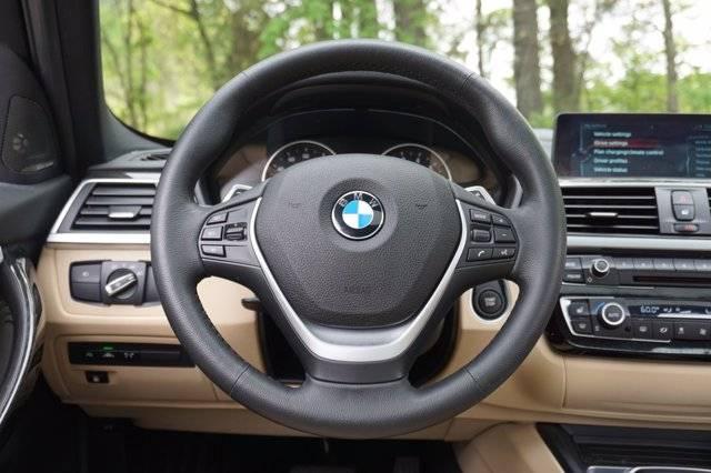 2017 BMW 3 Series WBA8E1C33HA029835