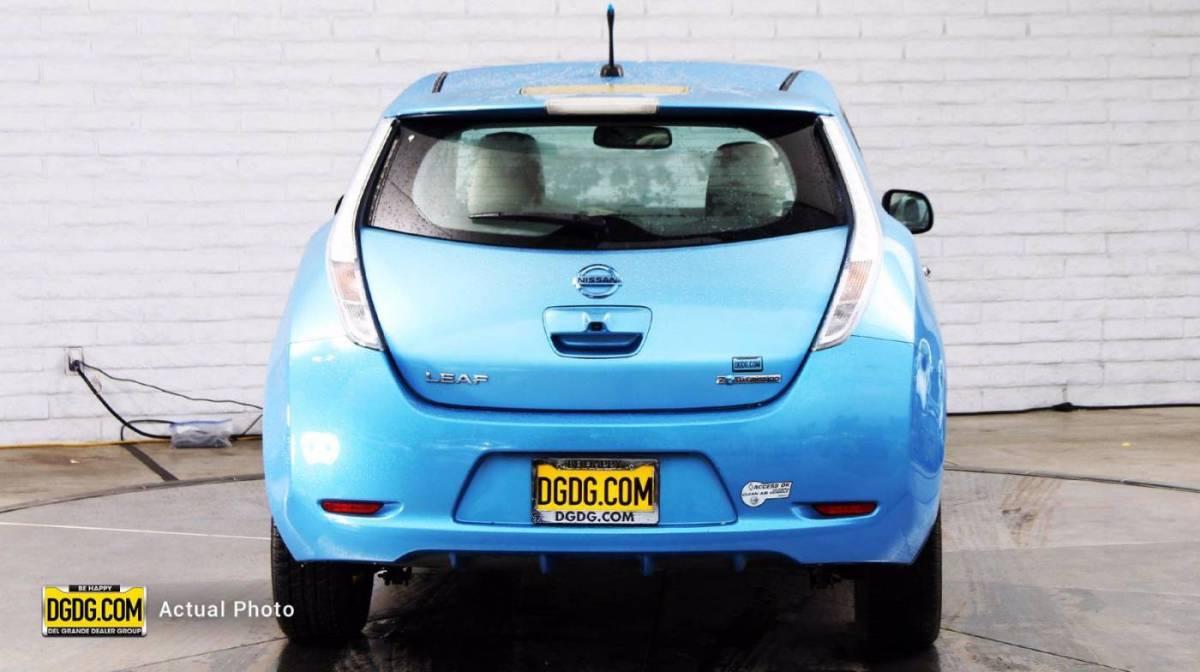 2011 Nissan LEAF JN1AZ0CPXBT001373