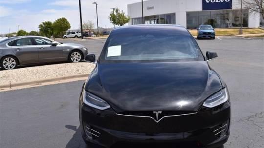 2018 Tesla Model X 5YJXCBE25JF120231