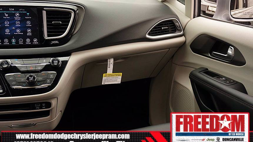 2020 Chrysler Pacifica Hybrid 2C4RC1L74LR282392