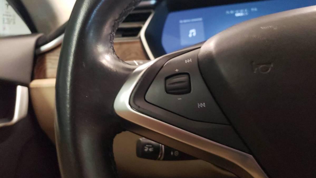 2016 Tesla Model S 5YJSA1E27GF150530