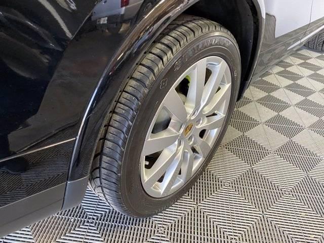 2017 Porsche Cayenne WP1AE2A23HLA68240