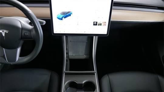 2018 Tesla Model 3 5YJ3E1EAXJF013685