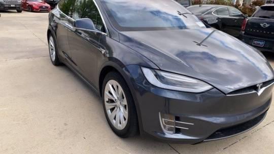 2017 Tesla Model X 5YJXCBE25HF054645