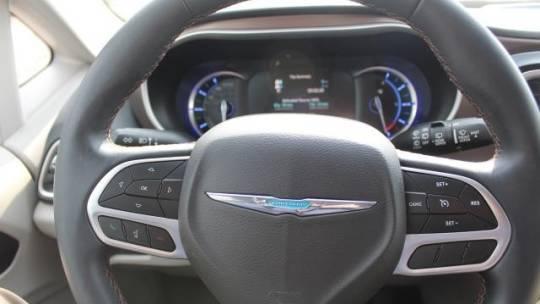 2018 Chrysler Pacifica Hybrid 2C4RC1L76JR164406