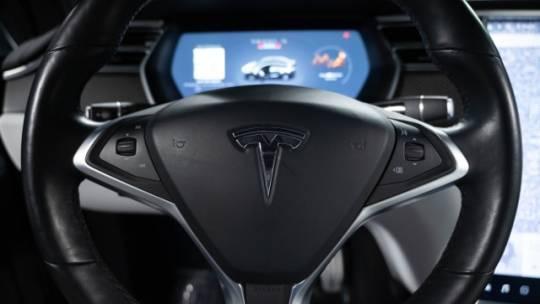 2017 Tesla Model X 5YJXCDE4XHF077111