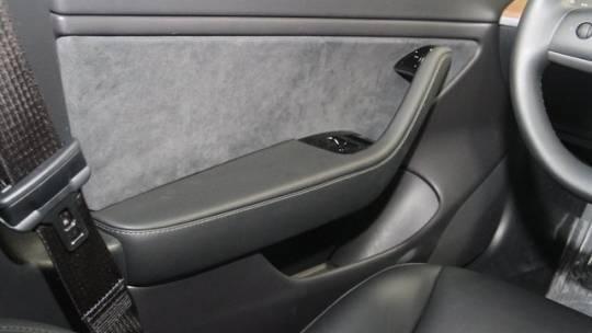 2019 Tesla Model 3 5YJ3E1EB5KF418136