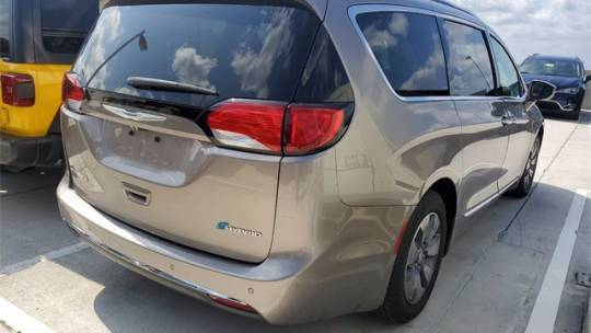 2018 Chrysler Pacifica Hybrid 2C4RC1N78JR230158