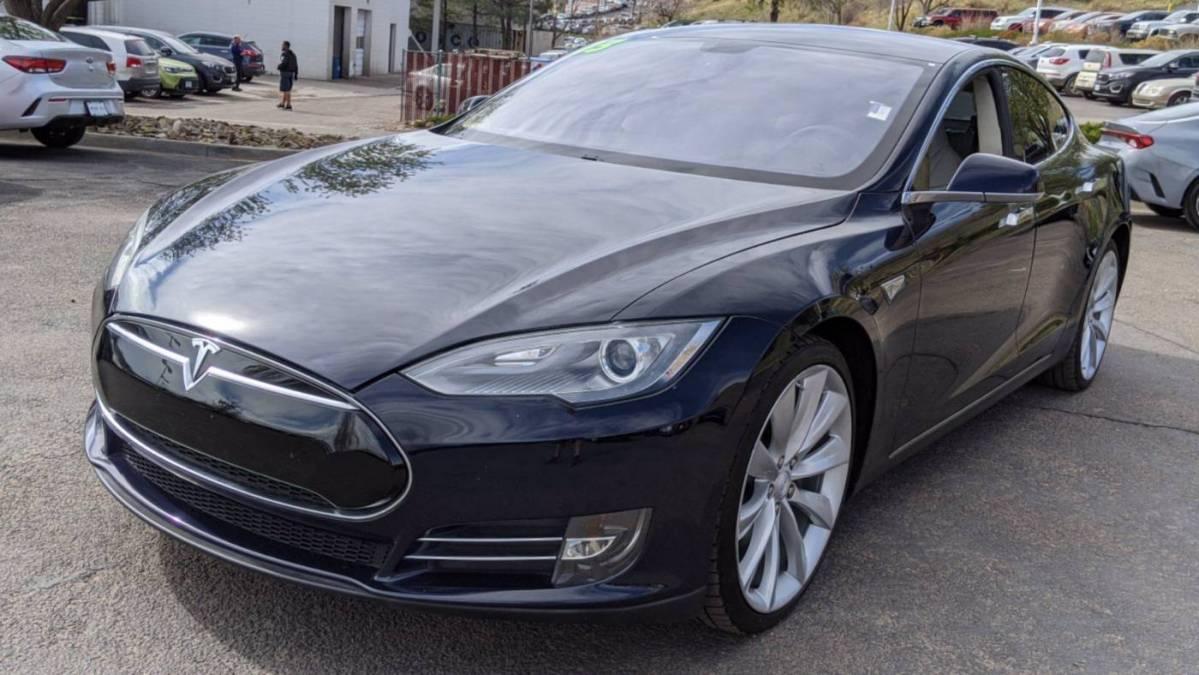 2013 Tesla Model S 5YJSA1CG7DFP17300