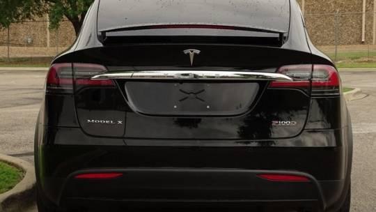 2017 Tesla Model X 5YJXCBE45HF053710