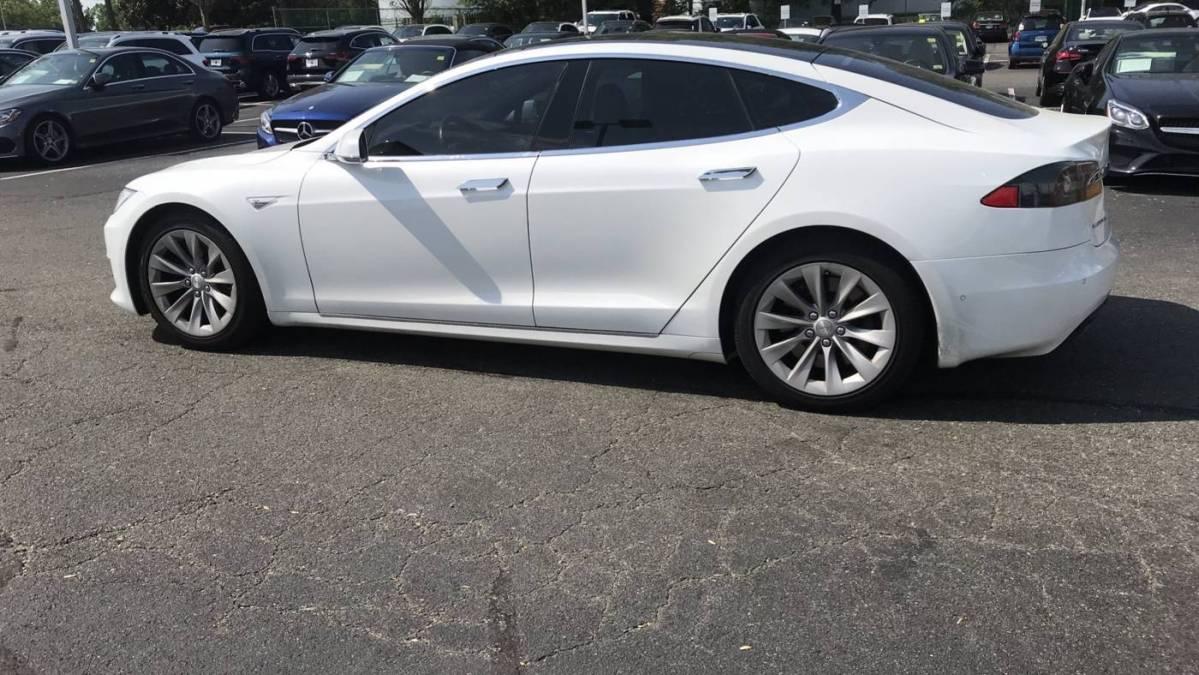 2016 Tesla Model S 5YJSA1E28GF145952
