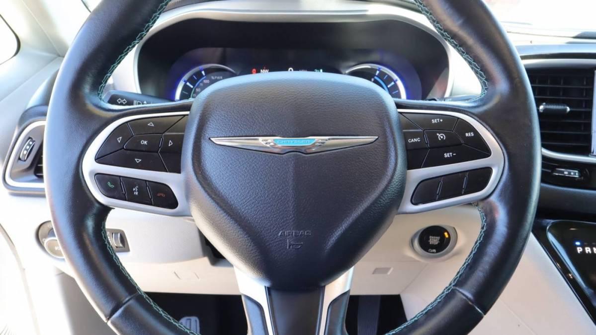 2018 Chrysler Pacifica Hybrid 2C4RC1L77JR129566