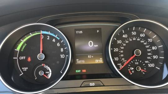2019 Volkswagen e-Golf WVWKR7AU1KW911608