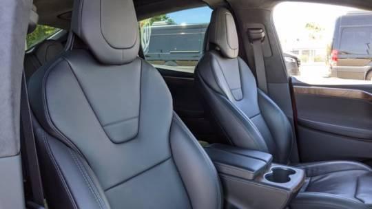 2017 Tesla Model X 5YJXCDE27HF053475