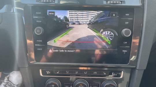 2017 Volkswagen e-Golf WVWPR7AU1HW950164