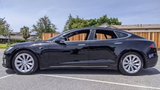 2018 Tesla Model S 5YJSA1E24JF281535