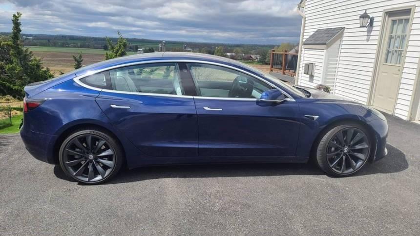 2018 Tesla Model 3 5YJ3E1EB4JF099875