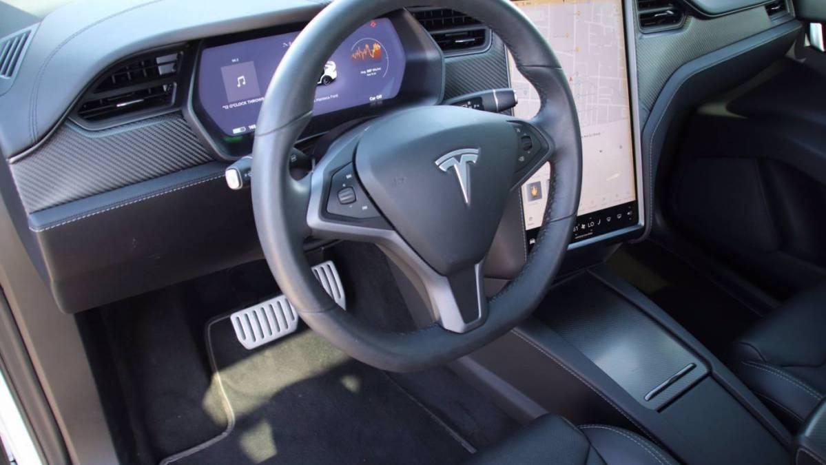 2018 Tesla Model X 5YJXCAE46JF117205