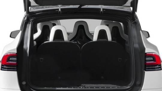 2017 Tesla Model X 5YJXCDE27HF052276