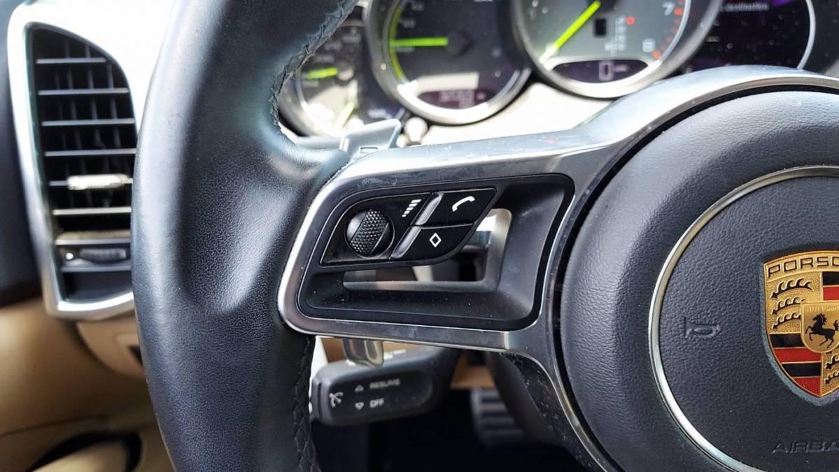 2018 Porsche Cayenne WP1AE2A27JLA71986