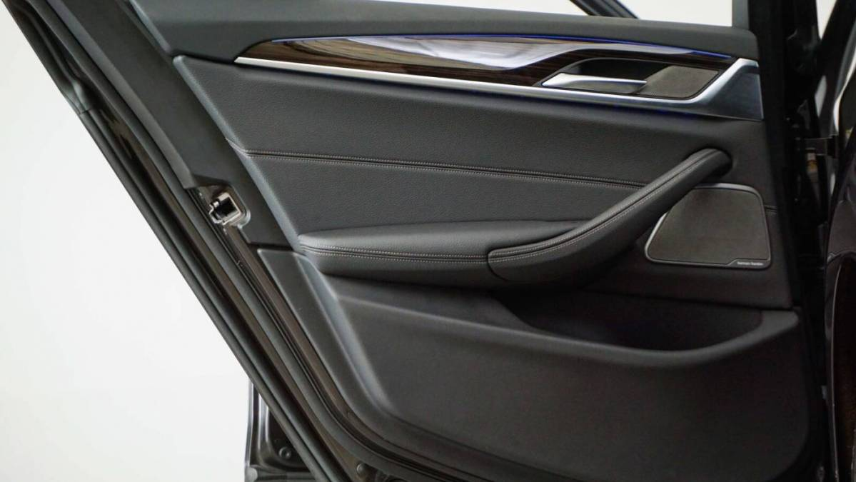 2018 BMW 5 Series WBAJA9C50JB250080
