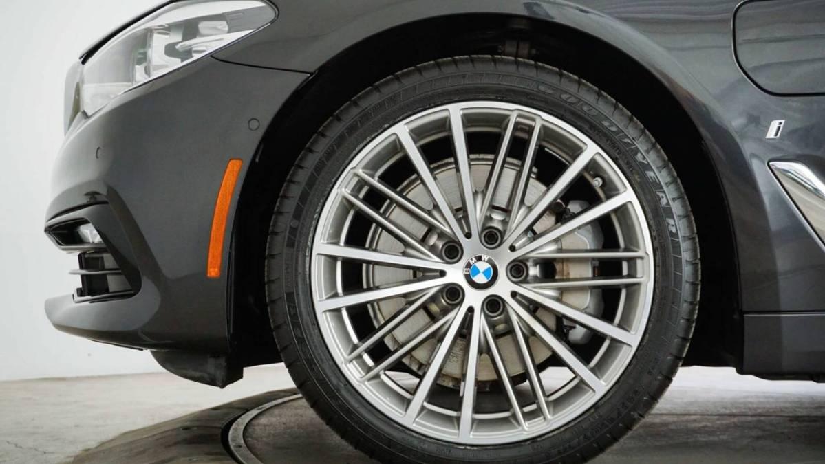 2018 BMW 5 Series WBAJA9C58JB250084