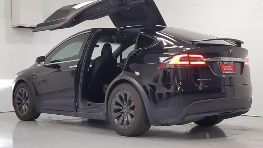 2017 Tesla Model X 5YJXCDE44HF073524