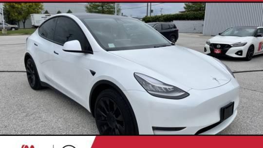 2020 Tesla Model Y 5YJYGDEE9LF033577