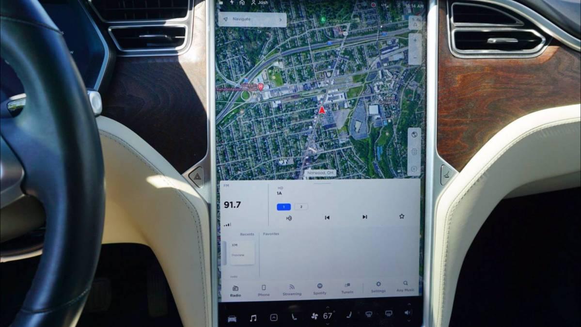 2017 Tesla Model X 5YJXCAE23HF068067
