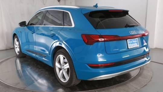 2019 Audi e-tron WA1LABGE7KB020383