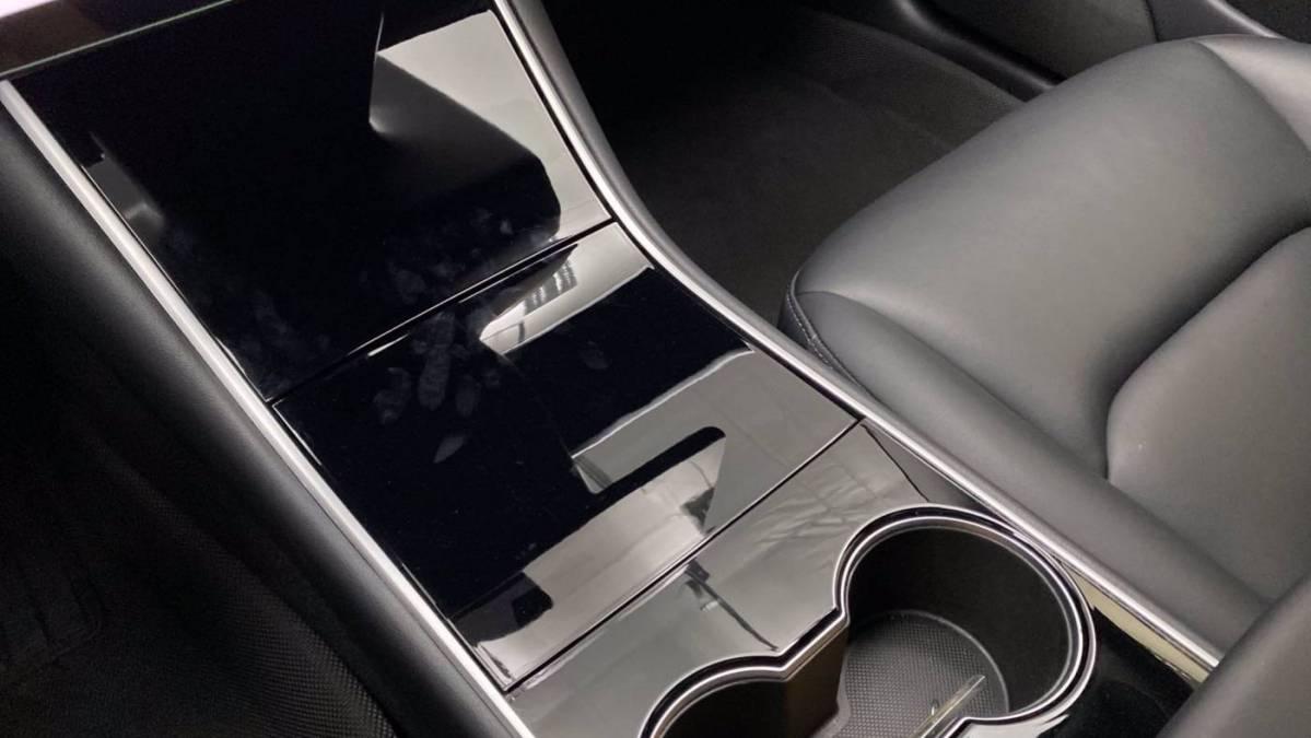 2019 Tesla Model 3 5YJ3E1EB6KF208578