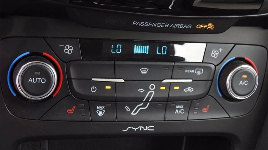 2017 Ford Focus 1FADP3R42HL263773