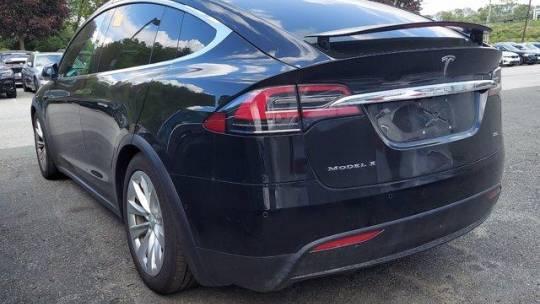 2018 Tesla Model X 5YJXCDE21JF088924