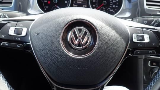 2017 Volkswagen e-Golf WVWPR7AU6HW950791