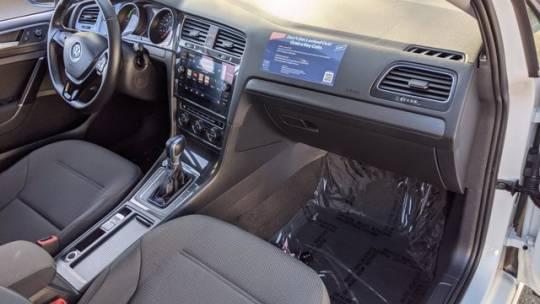 2018 Volkswagen e-Golf WVWKR7AU8JW907666