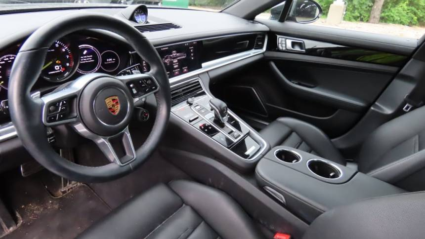 2018 Porsche Panamera WP0AE2A77JL128894