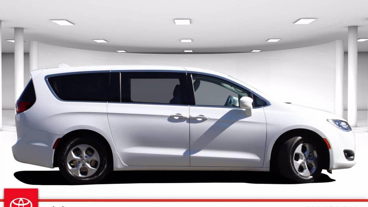 2018 Chrysler Pacifica Hybrid 2C4RC1H78JR125003