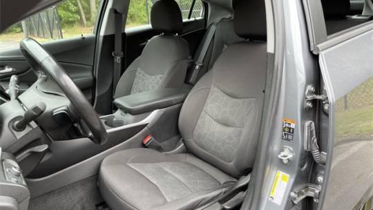 2018 Chevrolet VOLT 1G1RC6S5XJU156883