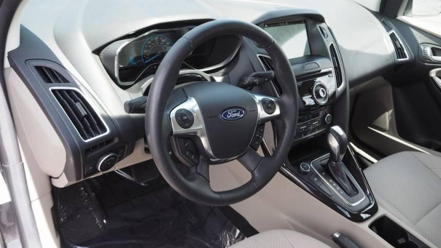 2017 Ford Focus 1FADP3R48HL325144