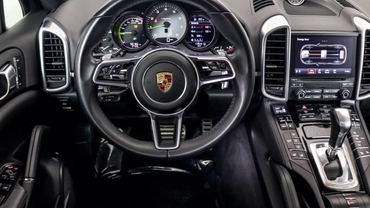 2018 Porsche Cayenne WP1AE2A26JLA70022