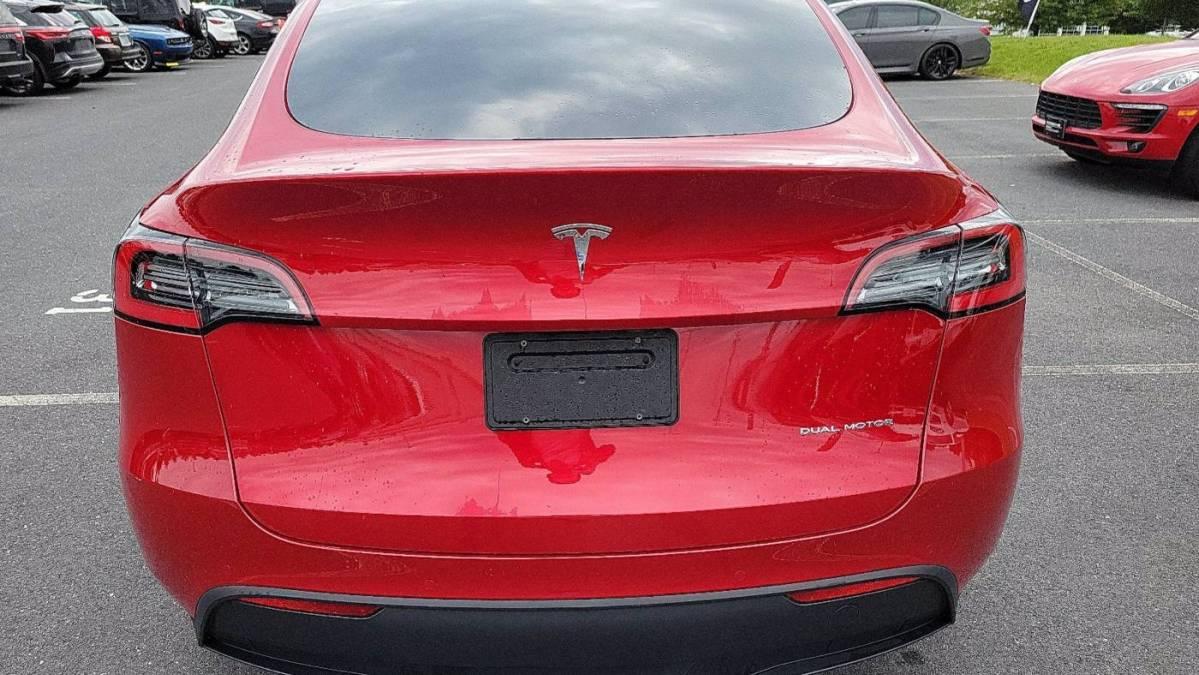 2020 Tesla Model Y 5YJYGDEE2LF048650