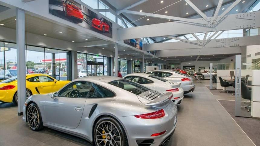 2018 Porsche Panamera WP0AE2A75JL130594