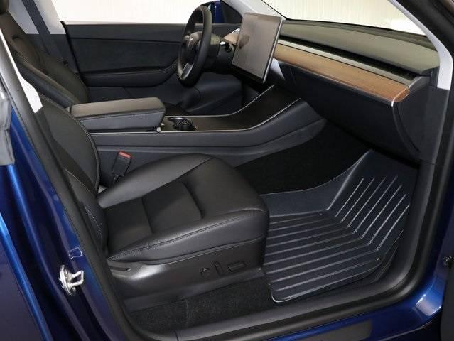 2020 Tesla Model Y 5YJYGDEE9LF054235
